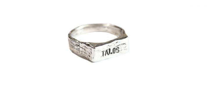 Anello TALOS – anello in argento personalizzabile con incisioni a scelta ?>