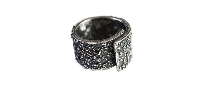 Anello Efesto di TALOS, in argento 925, per chi ama indossare gioielli che non passano inosservati ?>