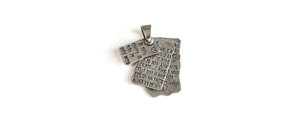 Ciondolo Calliope – Libro in argento con 3 pagine su cui incidere